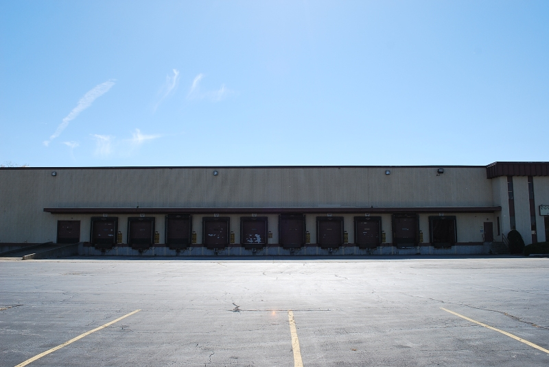 RG Riley Illinois Warehouse - East Dock Shipping