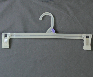 style HANG3 |Adult Bottom Hanger w/ Clips